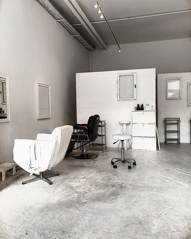 The aesthetic of this salon is life @ticro.de . . . . 📷: @frederiqueleg