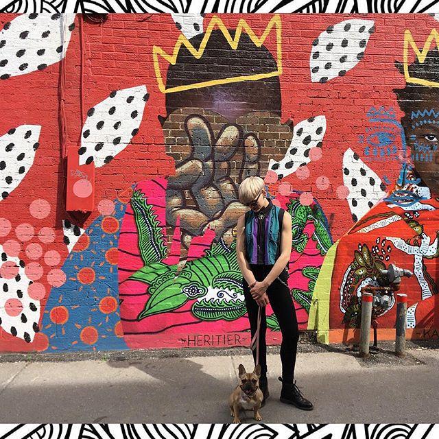 mes babes au festival de mural 🎨 ♥️ #montreal #muralfestival #muralfestival2018 #mtl #bowlcut #aveclablonde #gf #frenchie #frenchbulldog #queerpride #mybabies #legsfordays