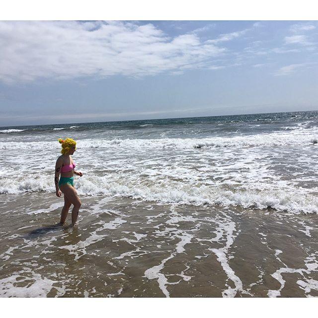 venice beach you blew my mind. 🏝 🌊  #wheninLA #venicebeach #reallifemermaid #pacificocean🌊 #venicecanals #beach #LA #bikinginvenicebeach