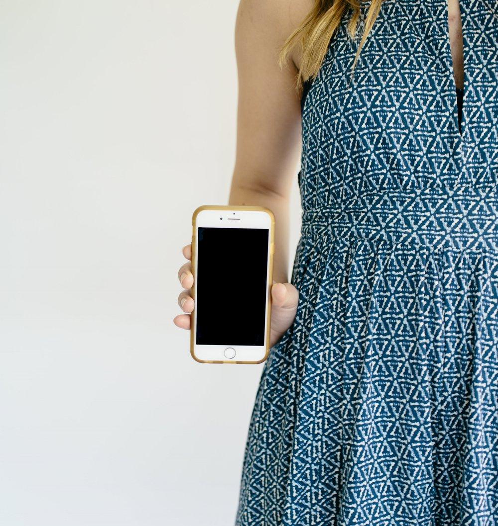 girl phone dress.jpg
