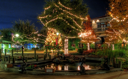 St. Johns Town Center in Jacksonville, FL is an outdoor shopping mecca.