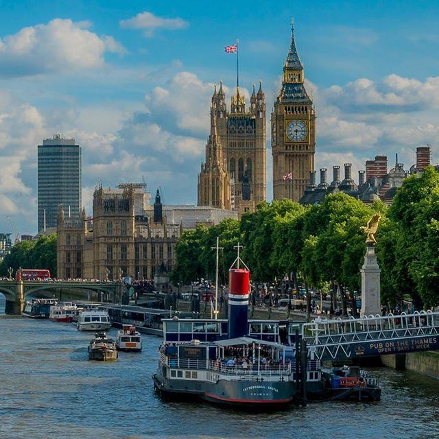 Guess where we've been?! @la_fille_moto @not.steve  #unitedkingdom #england #london #scotlandbound #inverness #nc500 #honda #cb500f #africatwin #crf1000l #motorcycling #bigben #englishparliament #londonparliament #drinkingonaboat #goodbeer #badfood