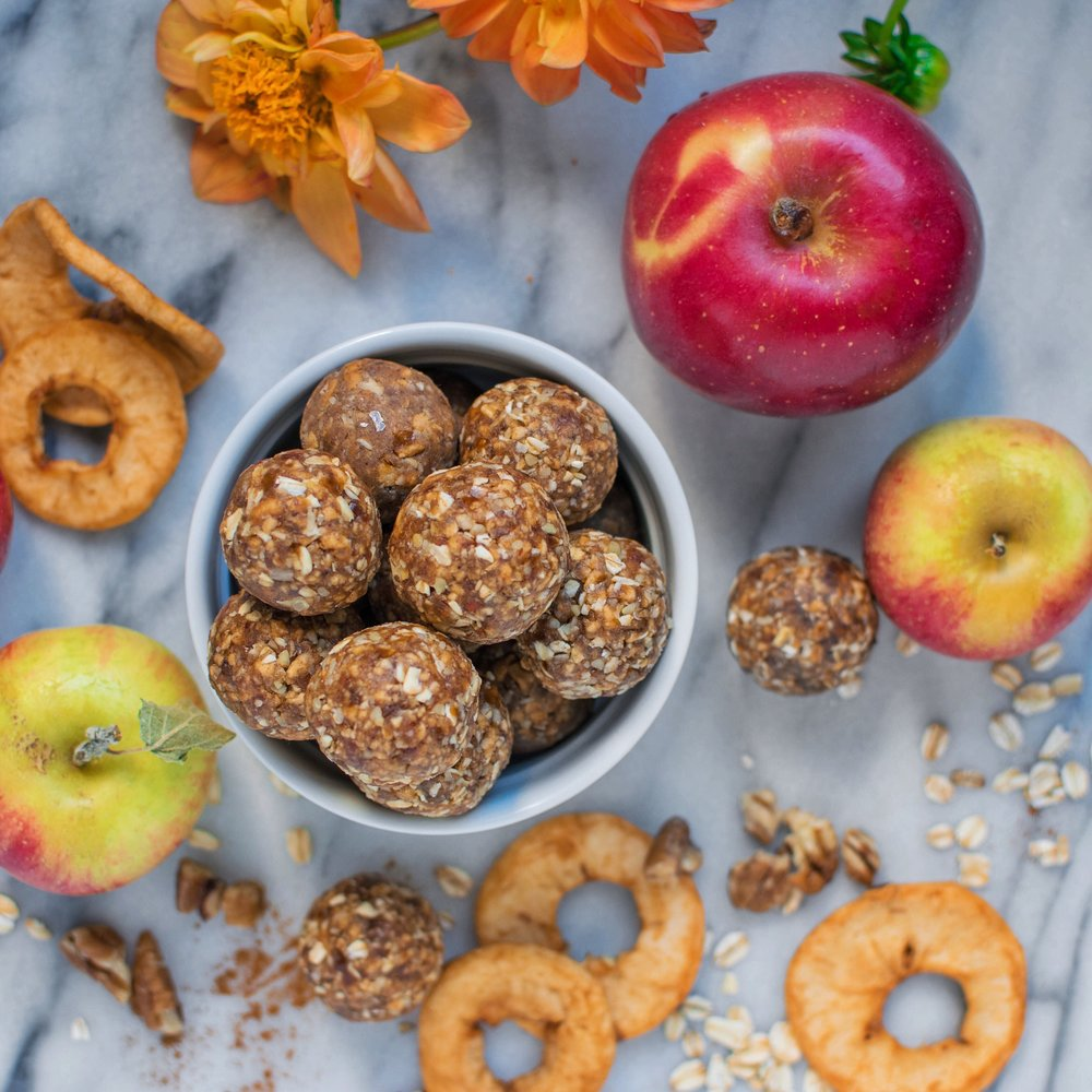 Vegan Apple Pie Energy Bites by *FIgberry*