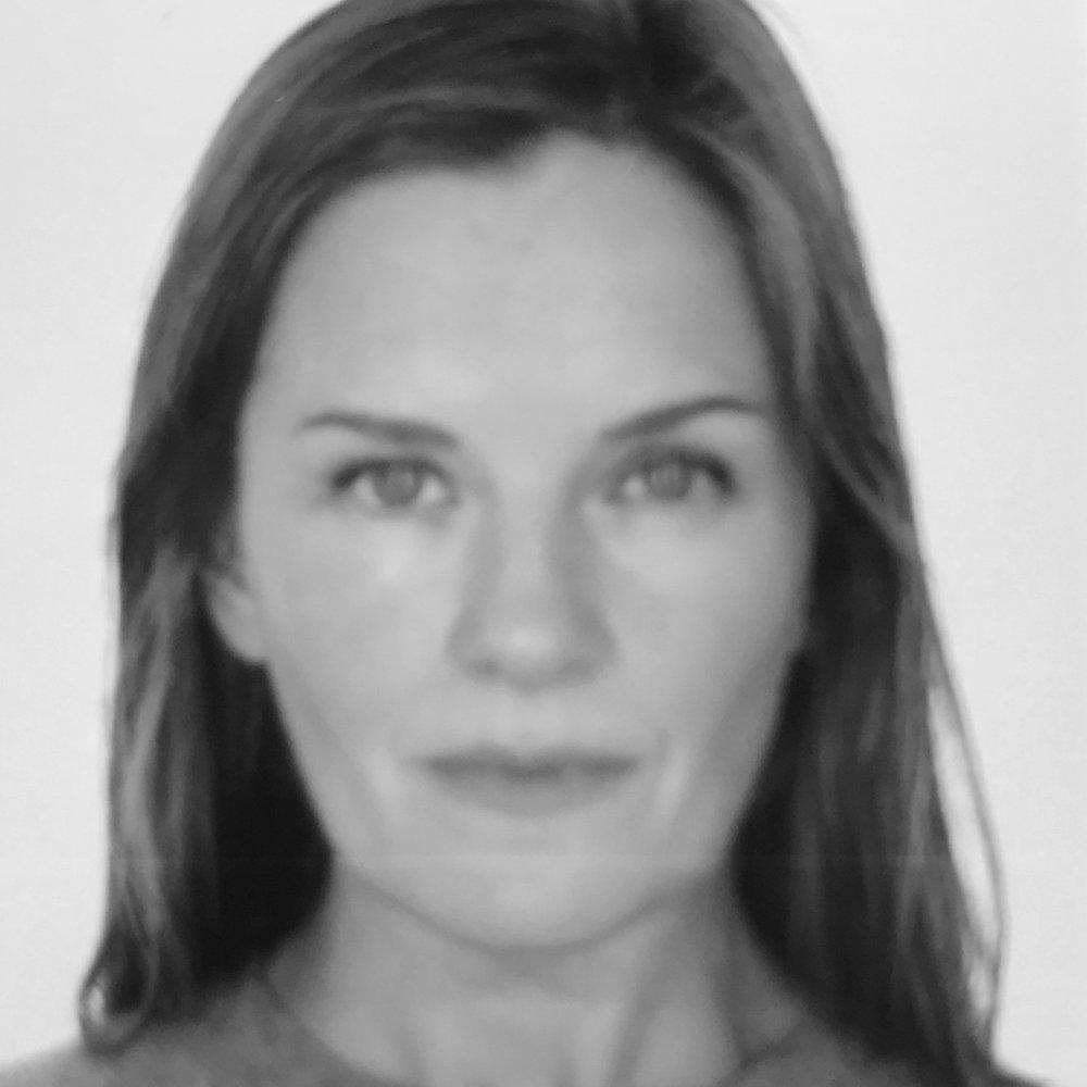 Nicola Togneri  Independent Art Consultant