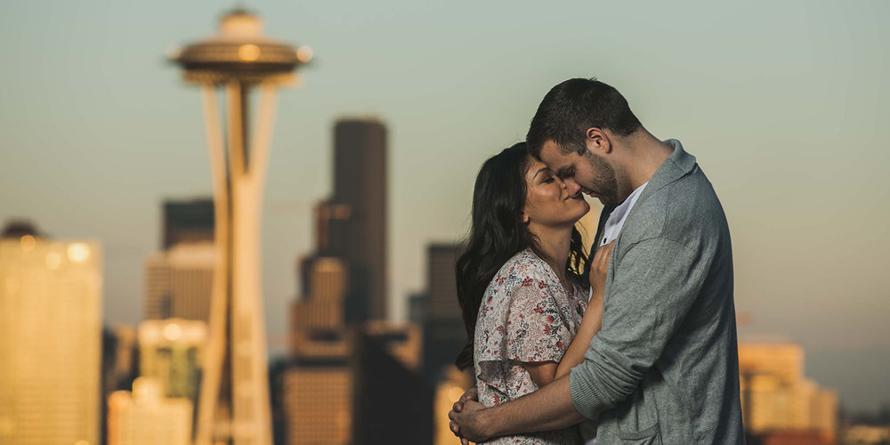 kerry-park-seattle-washington-engagement-photoshoot.jpg