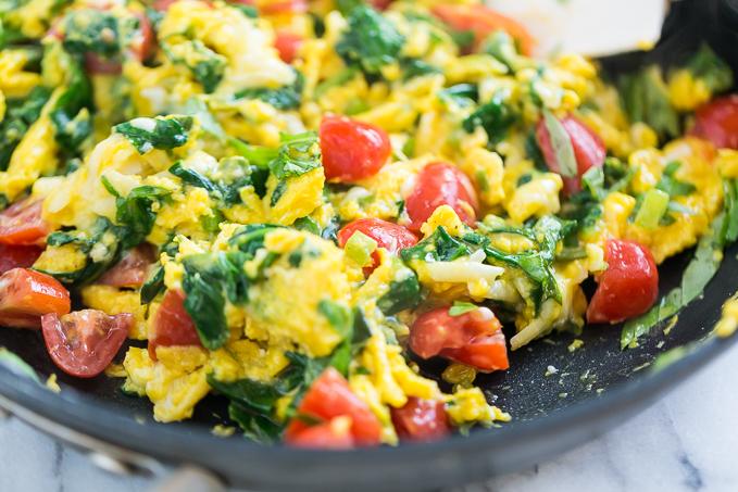 Veggie-Scrambled-Eggs-with-Aged-White-Cheddar-GI-365-7.jpg