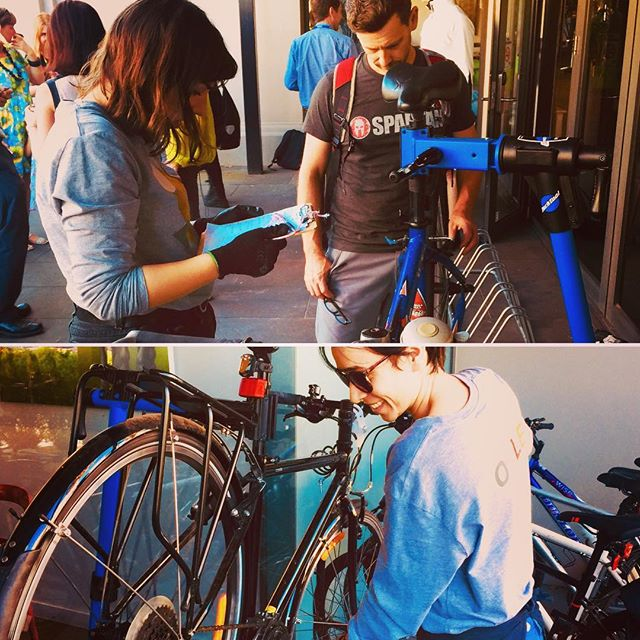 🎊Thanks @cityofmooneevalley for including Wocle in your Ride to Work Day festivities. 🚲 Perfect sunny morning ✔️friendly chats with Moonee Valley Council crew ✔️and kickass female bicycle safety checks & tips by Us✔️Winning! • • • #ridetoworkday2017 #rtwd #mooneevalleycouncil #breakfast #clocktower #bicycles #bicyclesafetyawareness #bicyclesafetyfirst #cycling #femalemechanics #womeninwork #toolsofthetrade #startup #entrepreneurlife #melbourne #parktoolblue #wocle