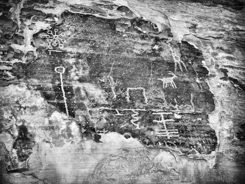 Mouse Tank Petroglyphs