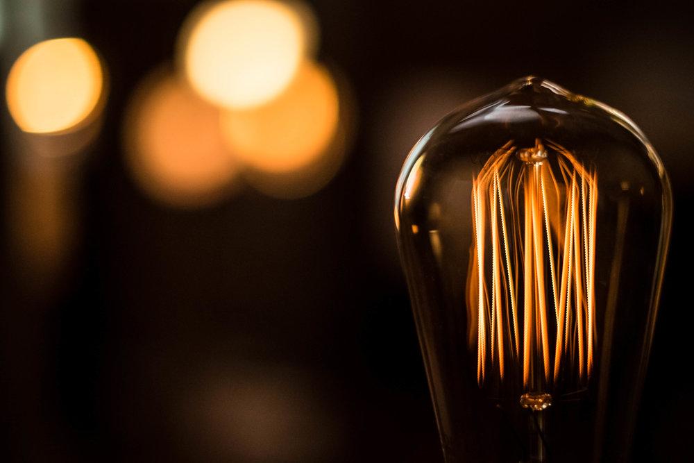 edison bulb - robert ravenscroft nyc photographer