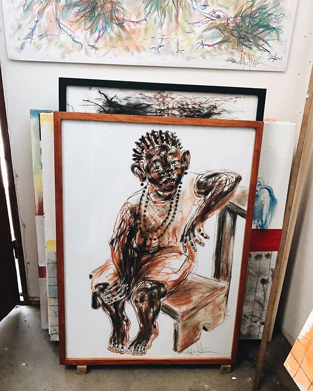 This painting ! Salifou Fouanta's atelier with (DIANE) @voodart #dianeaucameroun #africanartist #cameroon #hakohankson #painter #art #salifoufouanta #punuhunter