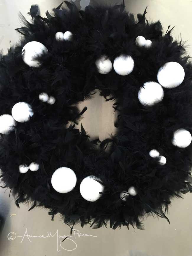 halloween-styrofoam-eyeballs.jpg