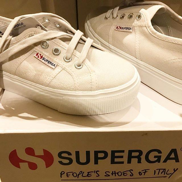 Who doesn't love new shoes?! 🙋🏻♀️🙋🏻♀️ #superga #happydays #italian