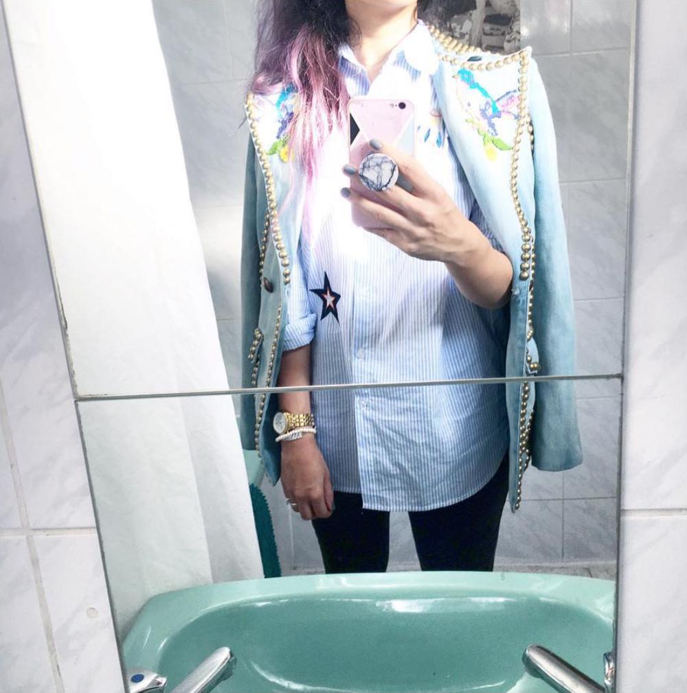 Hafsa Lodilla ei ole omaa nettikauppaa, mallistot näkee ja yhteystiedot saa  Instagramista . Kaikki tämän jutun kuvat on lainattu sieltä.