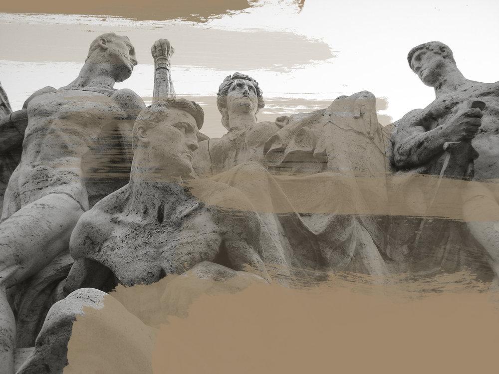 Statue_on_Roman_bridge.jpg