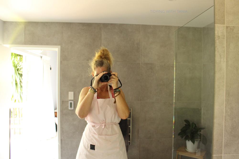 Mirror selfie.png