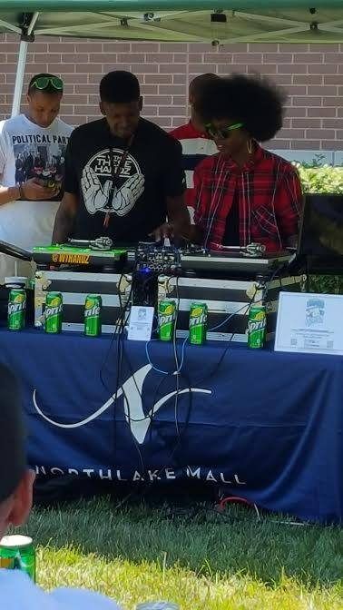 Octavia Moore on Deck - Founder of Hip Hop Orchestrated (Octavia Darko) on the decks at her first DJ Competition back in 2015. This is the moment when she fell back in love with Hip Hop music & culture.