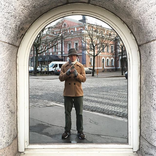 Wonder what / who's behind that mirror. . . . #mirrorselfie #narcissism #bulevardi  #newbalance #newbalanceuk #fidelitysportswear #engineeredgarments #tyylitfi #menswear #ootd