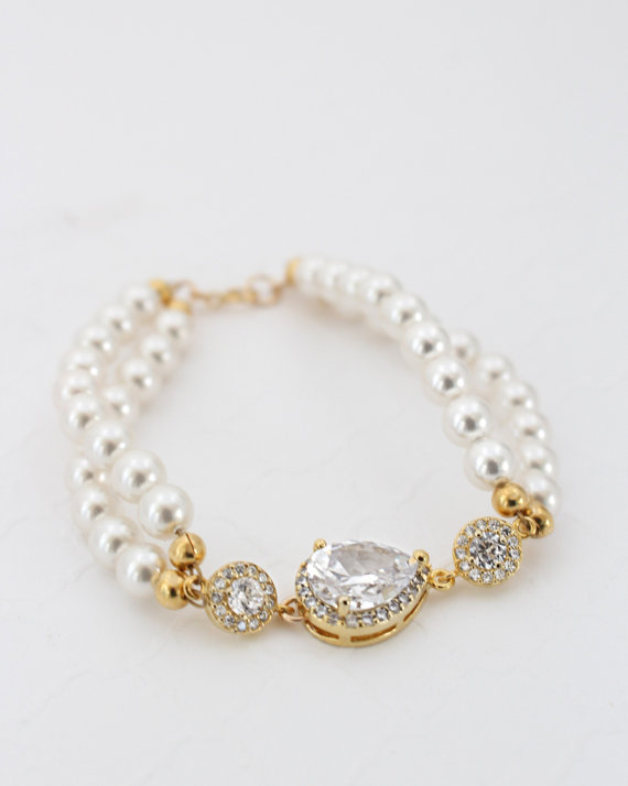 Gold Pearl Bridal Bracelet.jpg