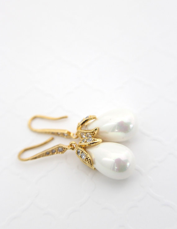 Gold Pearl Bridal Earrings.jpg