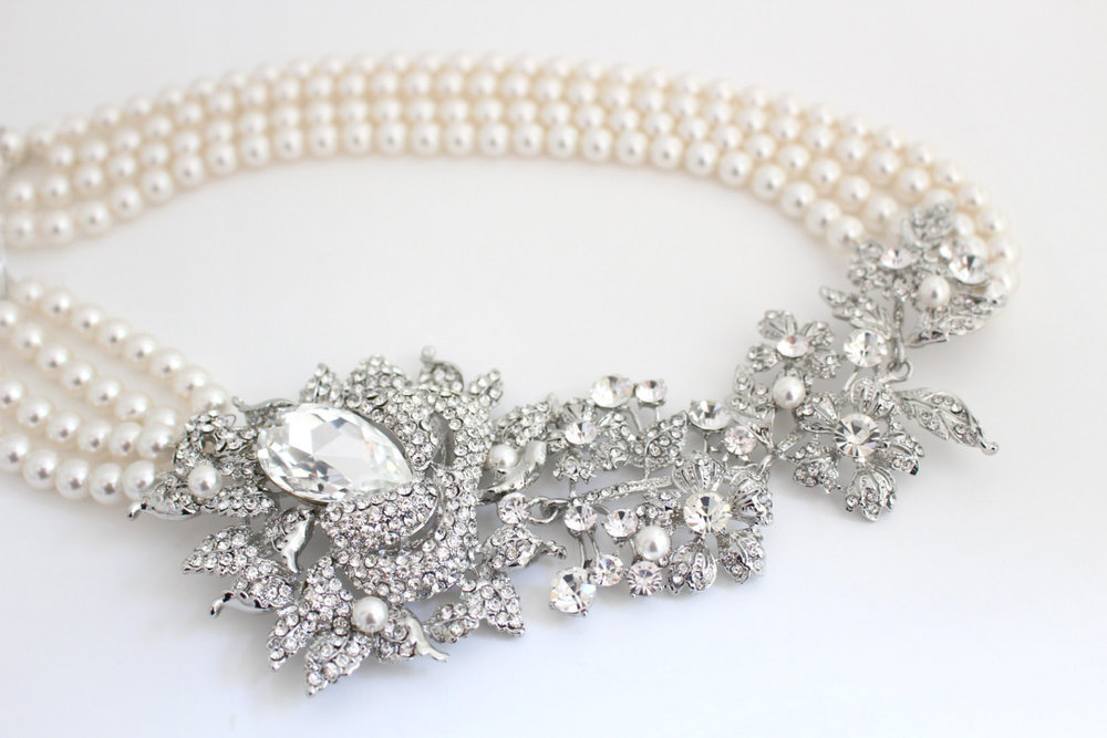 Brooch Necklace - Pearl Necklace