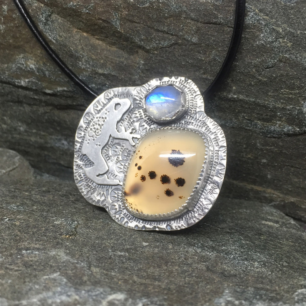 Treefrog Pendant with Montana Agate and Moonstone