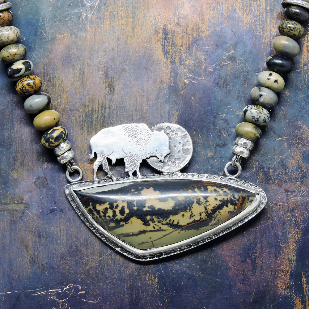DSCN9886.JPGBison Necklace with Indian Paint Jasper ©Wendy Wetherbee