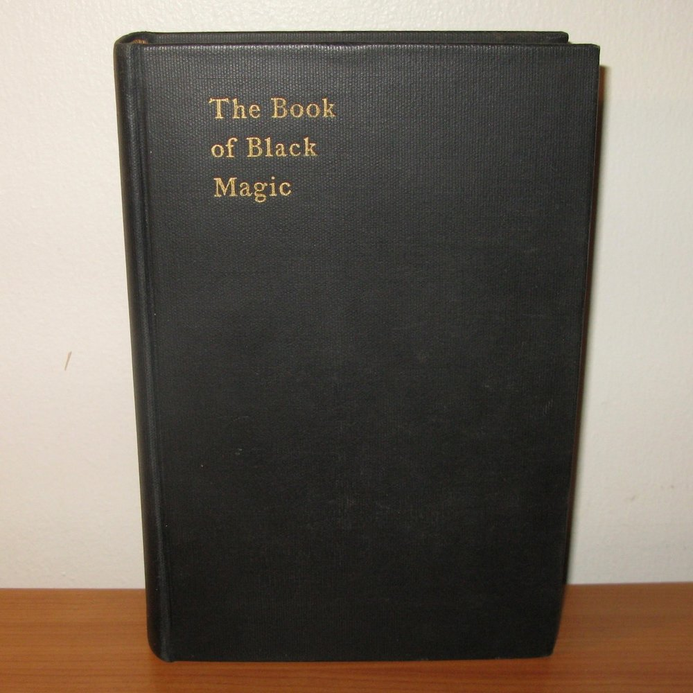 THE BOOK OF BLACK MAGIC AND OF PACTS by Arthur Edward Waite (A de Laurence Oddity). Chicago, 1937
