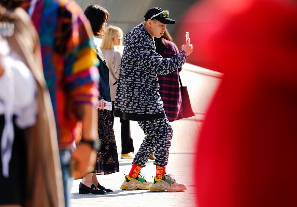 Seoul-fashion-week-SS18-Street-style-Buro247.sg-DSCF1318.jpg