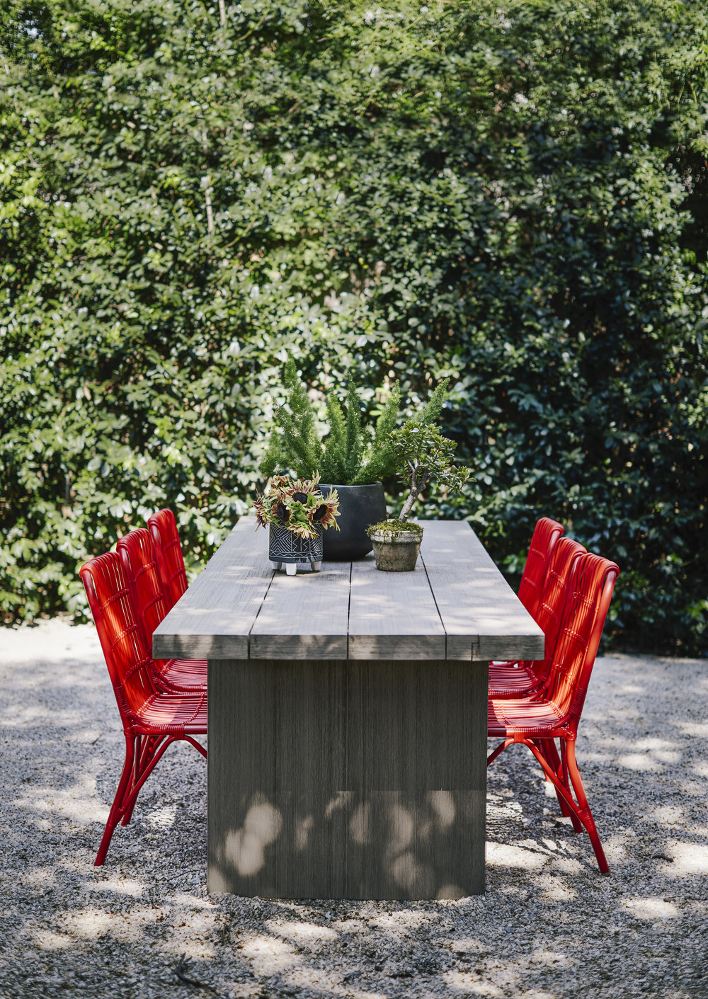 DHOME_3212GREENBRIER_OUTDOORTABLE.jpg