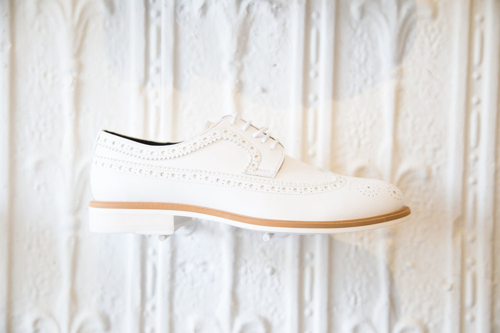 Longwing Brogue in White.