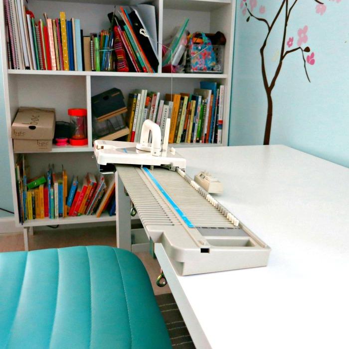 Shortened Singer LK100 plastic bed knitting machine