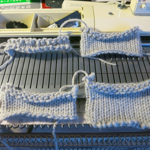 Machine knitting cast on and bind off video tutorial — Picture ...