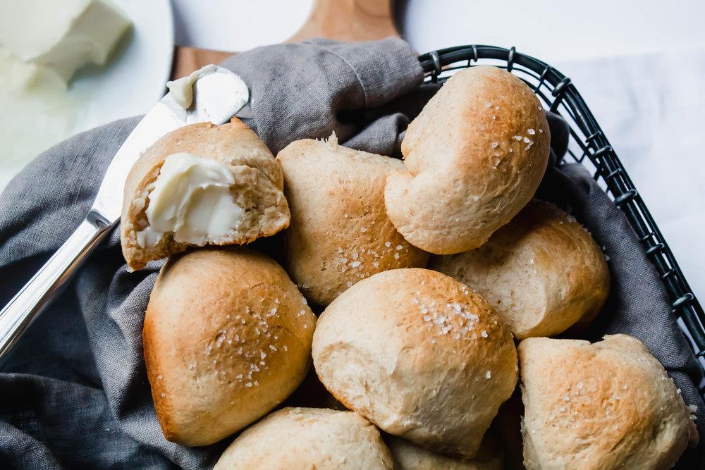whole wheat yeast rolls_.jpg