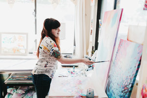 TaylorLee_PaintinginStudio+(1).jpg