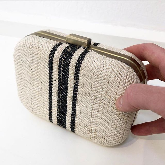 French tones with this beautiful little CITY CLUTCH in antique French Linen. . .. . . . . . . . #linen #summerclutch #frenchlinen #provence #chicbags #clutchbag #clutches #abeautifulthing #love #loveit #sopretty