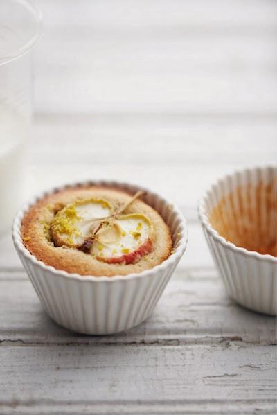 applecardaman-cakes.jpg
