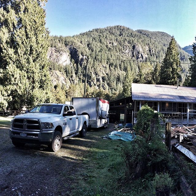 Spray foaming in beautiful #squamish. Couldn't ask for a better day for it! #arcticfoxsprayfoamltd #sprayfoam