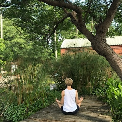 meditation-taiwan-office-yoga.jpg