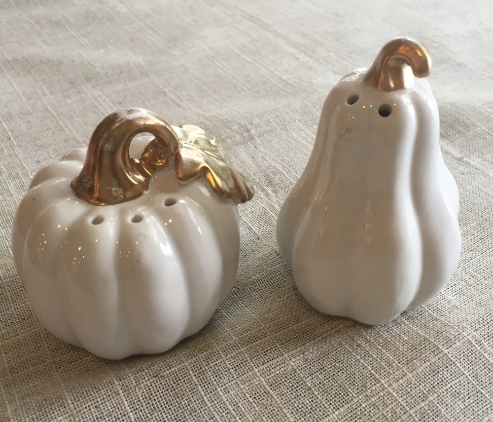 2 SETS OF SALT & PEPPER SHAKERS
