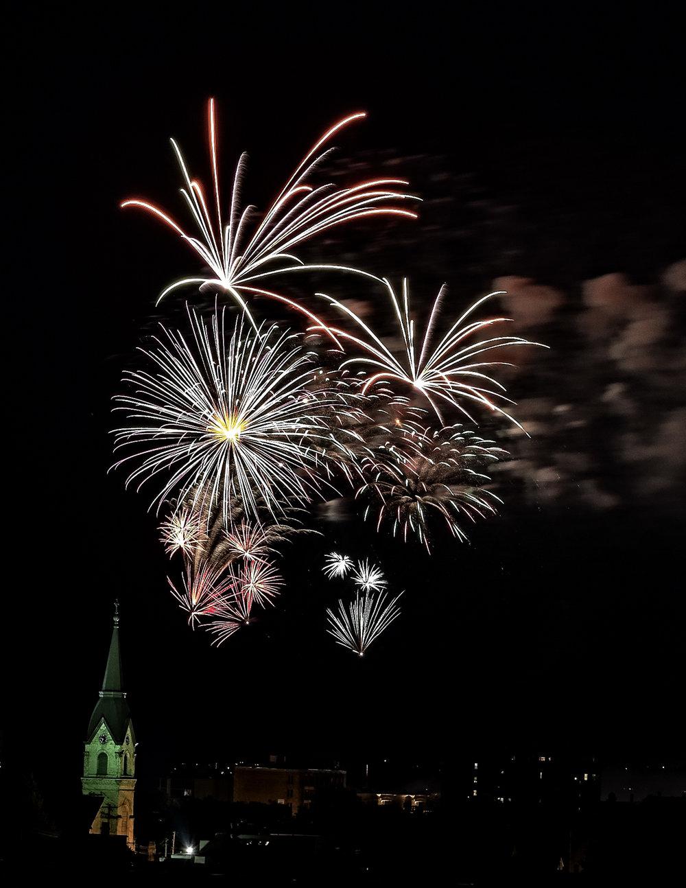 Open Reservoir Park Fireworks - Gary Peel  .jpg