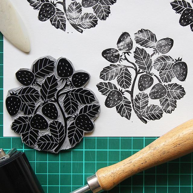 Experiments in texture with strawberries🍓 #strawberry #nature #illustration #printmaking #printmaker #linocut #linoprint #blockprint #carving #texture #handmade #harkenback