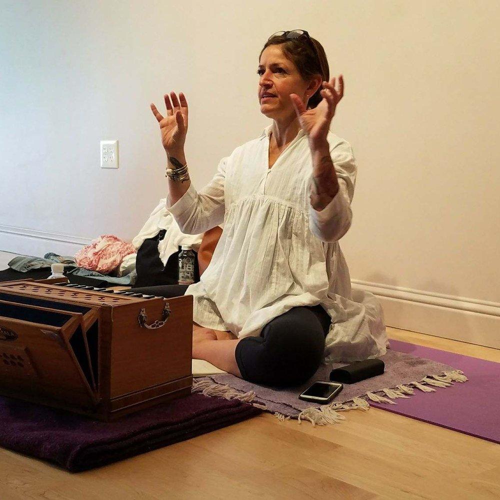 lisa asha rapp, jimavukti yoga, weekend yoga workshop