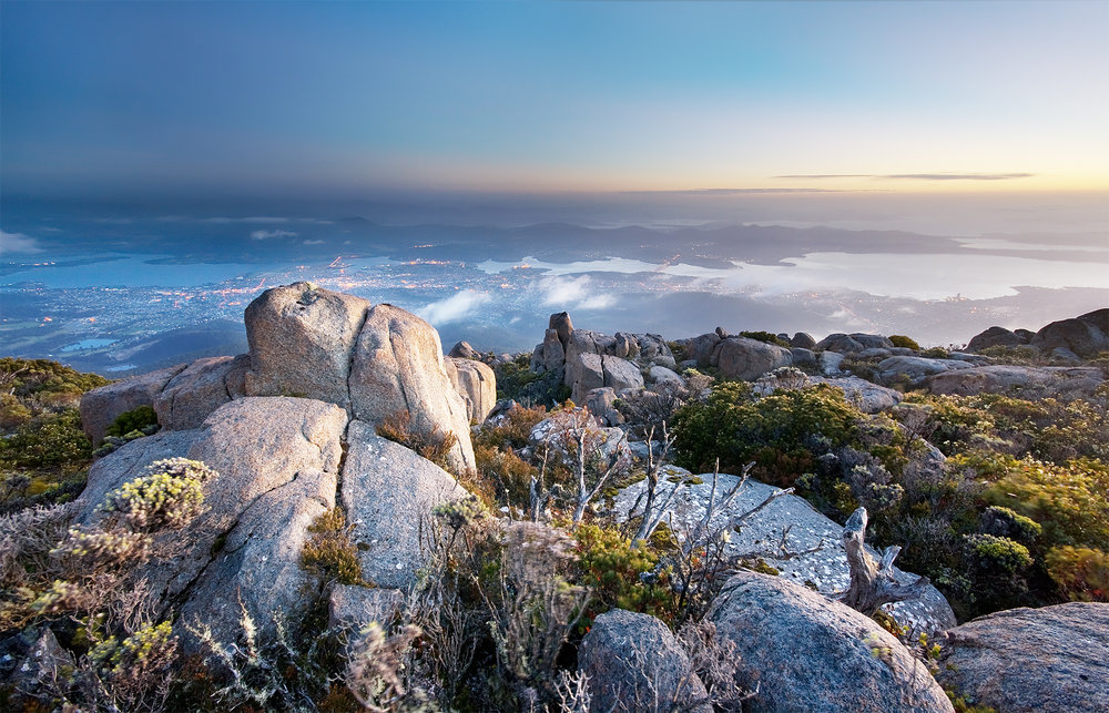 Hobart_from_Mt_Wellington_dawn.jpg