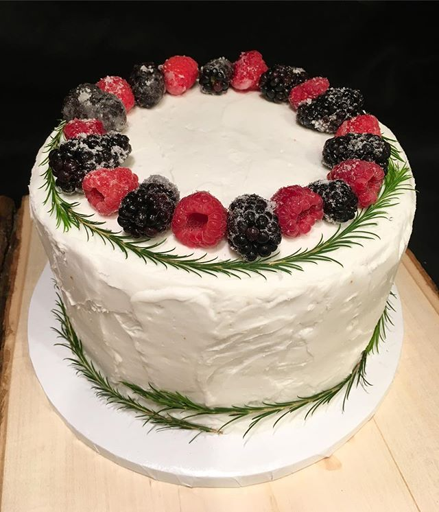 Rustic Cake With Sugar Berries, And Greens! 😋 Don't Forget Inquiries Can Now Be Submitted Through My Website! Link In Bio! ❤️ #dessertsbysabina #dessert #cake #rustic #rusticcake #rusticwedding #berries #greens #baker #bakery #bayarea #bayareafood #bayareawedding #customcakes #sugarberries #rusticstyle