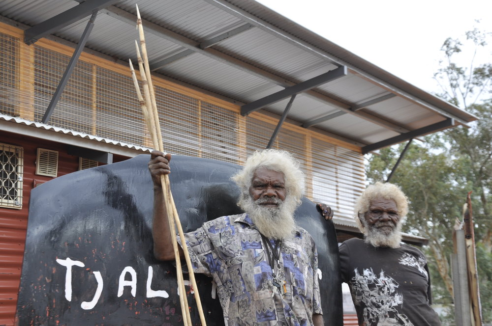 Willy Kaika Burton and Hector Tjupuru Burton at Tjala Arts.  ©  Tjala Arts