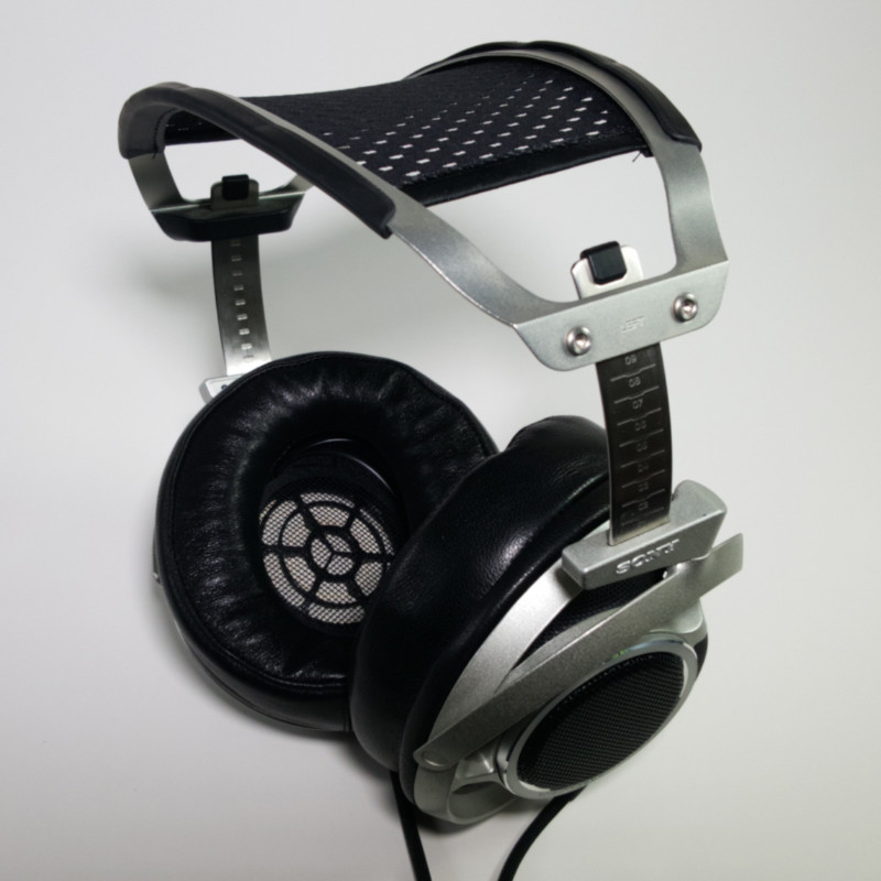 More comfortable than ever due to the Beautiful Audio earpads.