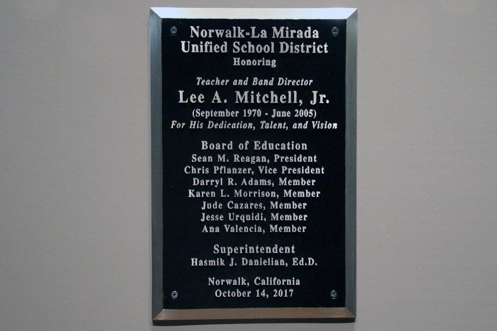 plaque online.jpg