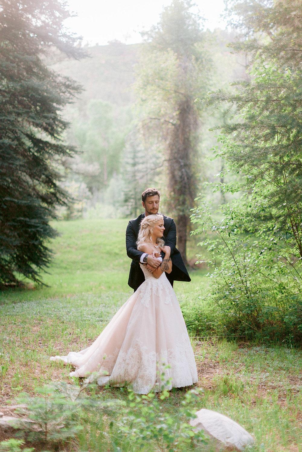 durango-intimate-family-wedding-private-ranch-034.jpg
