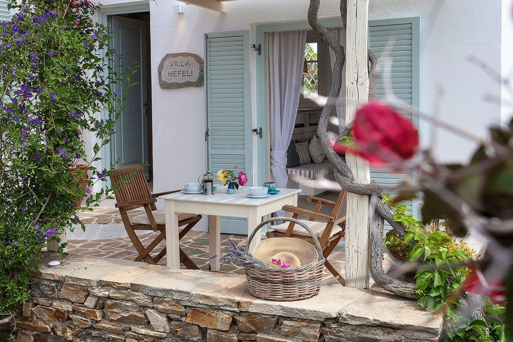 15KAVOS-NAXOS villas.jpg
