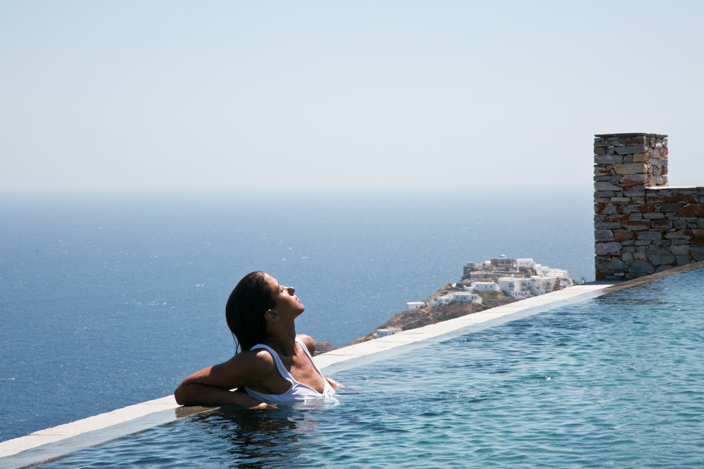 Verina_Astra_infinity pool_amazing view.jpg